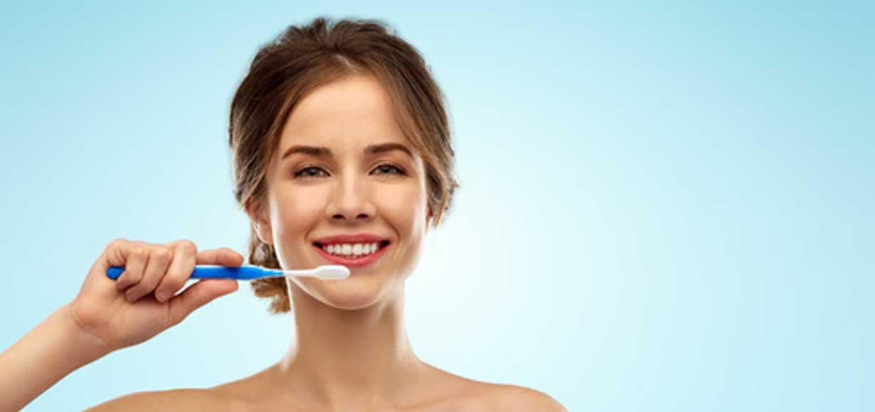 spazzolino manuale elettrico