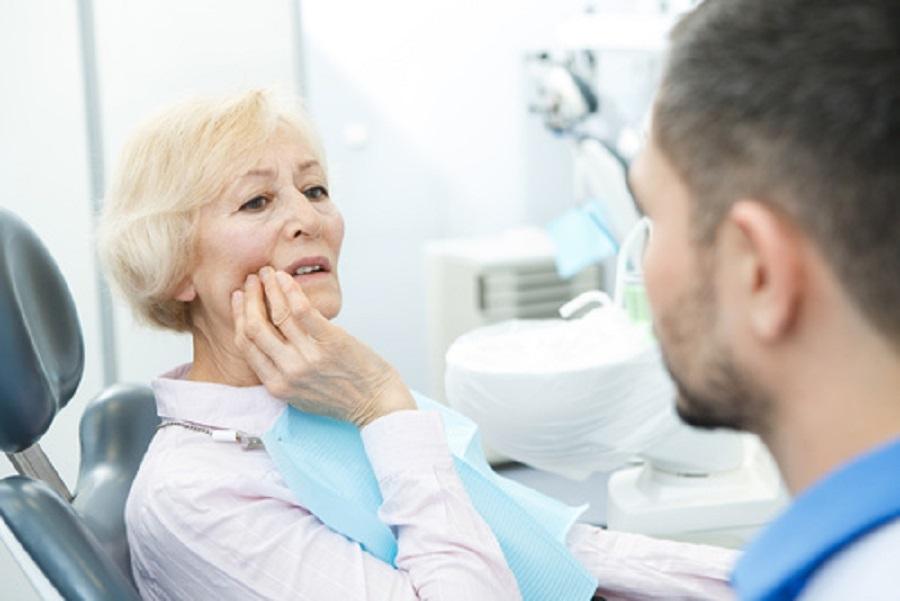 anziani dentista