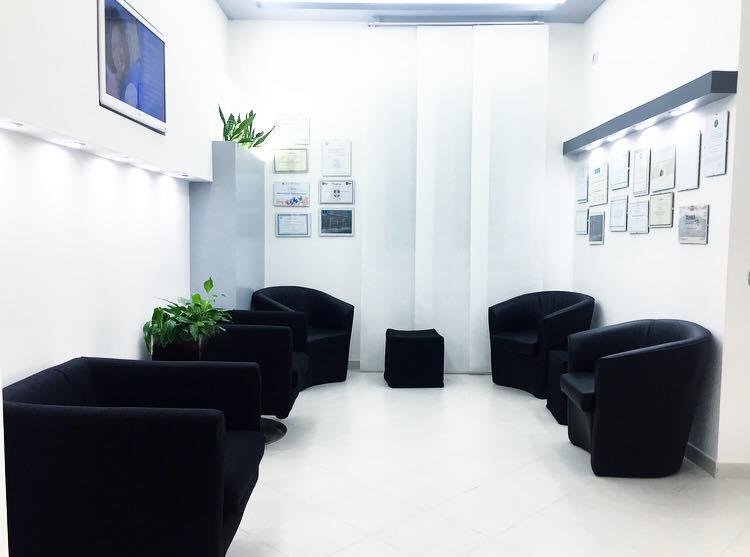 studio dentistico aperto ad Agosto